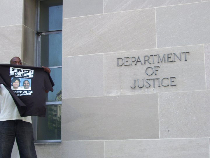 Gray-Haired_Witness_rally_at_DOJ_Clinton_from_Mississippi_0621101, Gray-Haired Witnesses bring shocking case of the Scott Sisters to Washington, National News & Views
