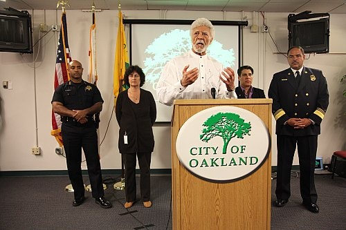 Oscar-Grant-Mehserle-verdict-Mayor-Ron-Dellums-Police-Chief-Anthony-Batts-promise-cops-won't-stop-peaceful-protest-by-Gerry-Shih-Bay-Citizen, Oakland criminalized by its own mayor, after slap-on-the-wrist verdict for a killer cop, National News & Views