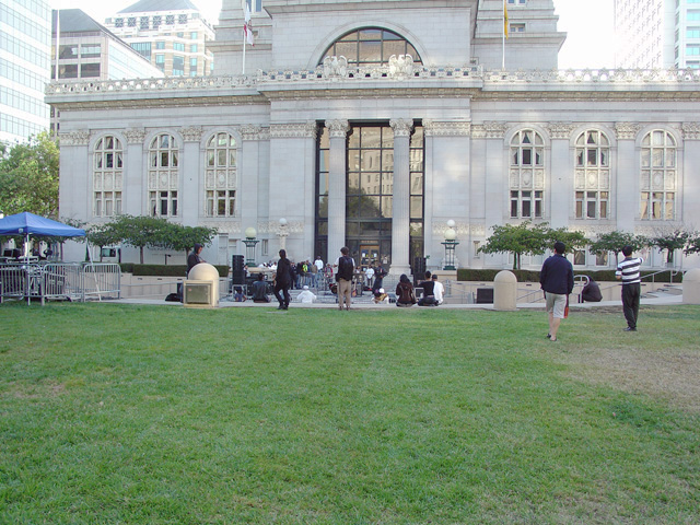 Oscar-Grant-Mehserle-verdict-empty-Ogawa-Plaza-Oakland-070810-by-Dave-Id-Indybay1, Oakland officials tried to preempt day of verdict community gathering, Local News & Views