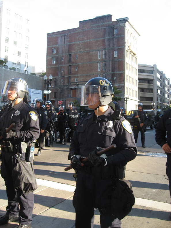 Oscar-Grant-Mehserle-verdict-lots-of-cops-Oakland-070810-by-Wanda1, Oakland says Johannes Mehserle is guilty, Local News & Views