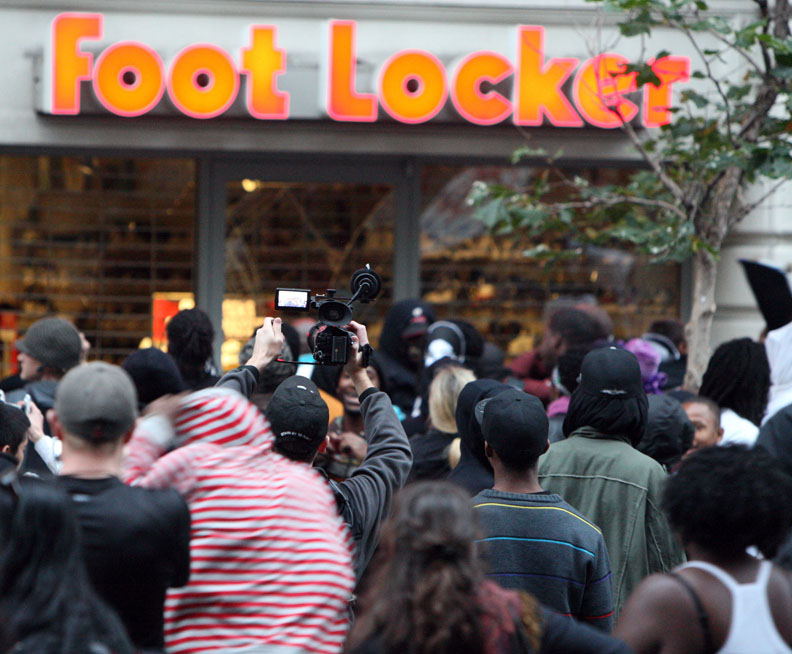 Oscar-Grant-Mehserle-verdict-rebellion-Foot-Locker-070810-by-Malaika, Oakland criminalized by its own mayor, after slap-on-the-wrist verdict for a killer cop, National News & Views