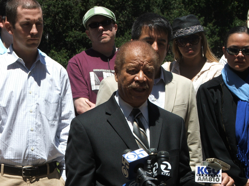 Oscar-Grant-Walter-Riley-at-NLG-press-conf-on-police-brutality-at-rebellion-071410-by-Jonathan-Nack1, Oakland criminalized by its own mayor, after slap-on-the-wrist verdict for a killer cop, National News & Views
