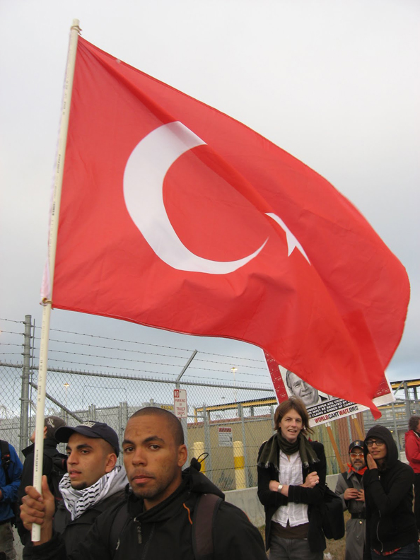 Oakland_port_picket_of_Israeli_ship_062010_by_Wanda, Gaza prison, World News & Views
