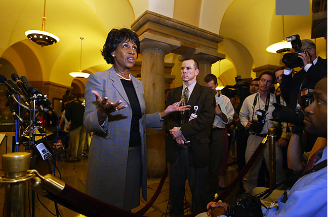 Maxine-Waters-asks-photogs-about-war-horrors-they-saw-after-Iraq-war-atrocities-revealed-051204-by-Robert-Reeder-Wash-Post, Douse the firestorm, let Maxine Waters get back to the people's business, National News & Views