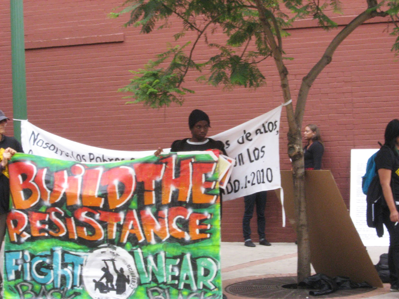 Build-the-Resistance-Fight-back-Wear-black-banner-Oakland-102210-by-Wanda, Police brutality decried by angry, grieving families, Local News & Views