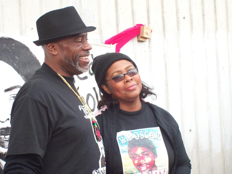 Johnson-Wanda-Johnson-at-Fruitvale-BART-010111-by-Judy-Greenspan1, New Year's Day vigil commemorates Oscar Grant killing, Local News & Views