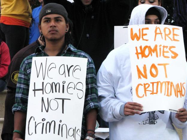 Brown Backs Oakland Police Department's Acorn Gang Investigation, Takedown