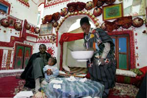 Libya-traditionally-decorated-home-in-Ghadamis-020204-by-AP-on-US-State-Dept-site, Libya, getting it right: a revolutionary pan-African perspective, World News & Views