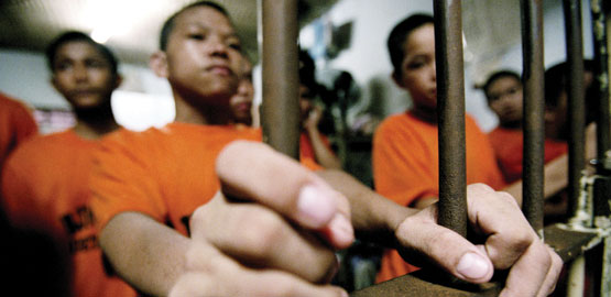 juveniles in adult prisons Consequently, juvenile offenders incarcerated in adult prisons are not protected separately from adult offenders by federal law (levitt, 2010) while it is likely that some youth offenders are separated from the general population in some adult prisons, research suggests that in a majority of states (ie, 31 states), youth offenders are housed .