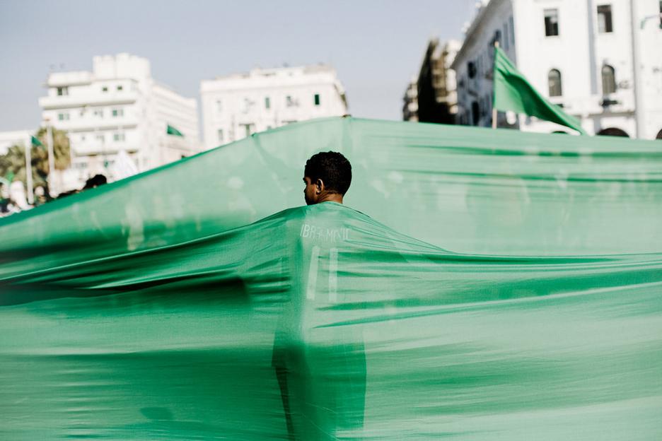 Libyan-Jamahiriya-green-flags-Tripoli-by-Moises-Saman-NYT, Facing the bombs of America and NATO in the Libya Jamahiriya, World News & Views