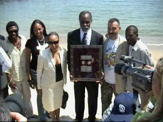 LaHitz-Soujourner-Truth-Award-2004-recipient-Danny-Glover, African Diaspora unity at Cannes, Culture Currents
