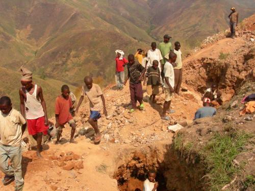 Congo-children-coltan-mine-in-mountains-by-Mvemba-Phezo-Dizolele, Congo: Let's be frank about Dodd-Frank, World News & Views