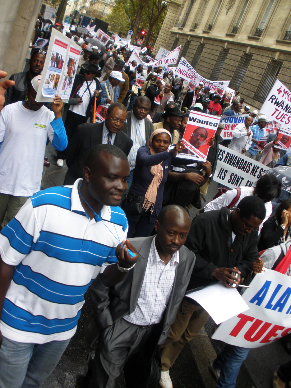 Anti-Kagame-protest-1300-Rwandans-Congolese-march-Paris-091211, Open letter to Carnegie Mellon University: Don't host Kagame!, World News & Views