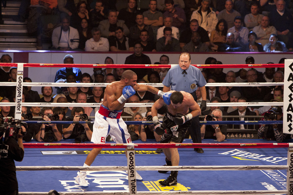 Andre-Ward-vs-Carl-Froch-Andres-left-hook-121711-by-Malaika-web, Andre Ward shuts down Carl Froch, Culture Currents