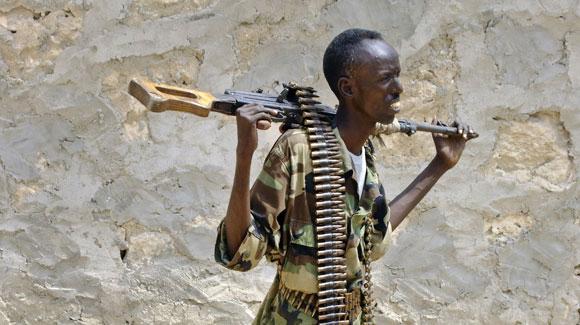 Somali-govt-soldier-fighting-al-Shabaab-in-Mogadishu-1111-by-Farah-Abdi-Warsameh-AP, Kenyan government signals greater U.S., Israeli involvement in Somalia, World News & Views