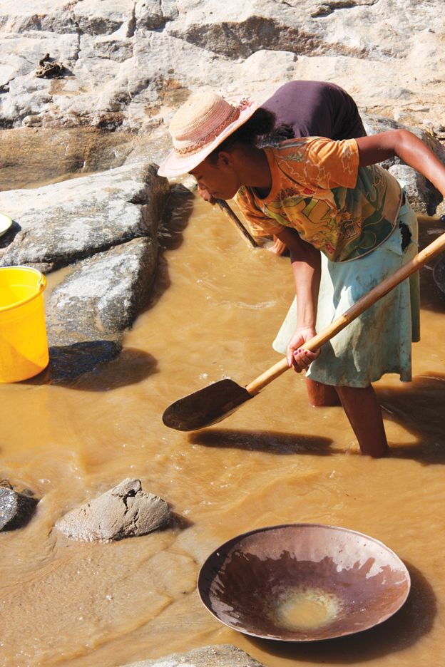 Madagascar-panning-for-gold-1211-by-TaSin-Sabir, Wanda's Picks for January 2012, Culture Currents