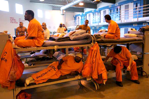 Prison-overcrowding-Lancaster-2008-by-Spencer-Weiner-AP, Reducing prison population in black and white, Behind Enemy Lines