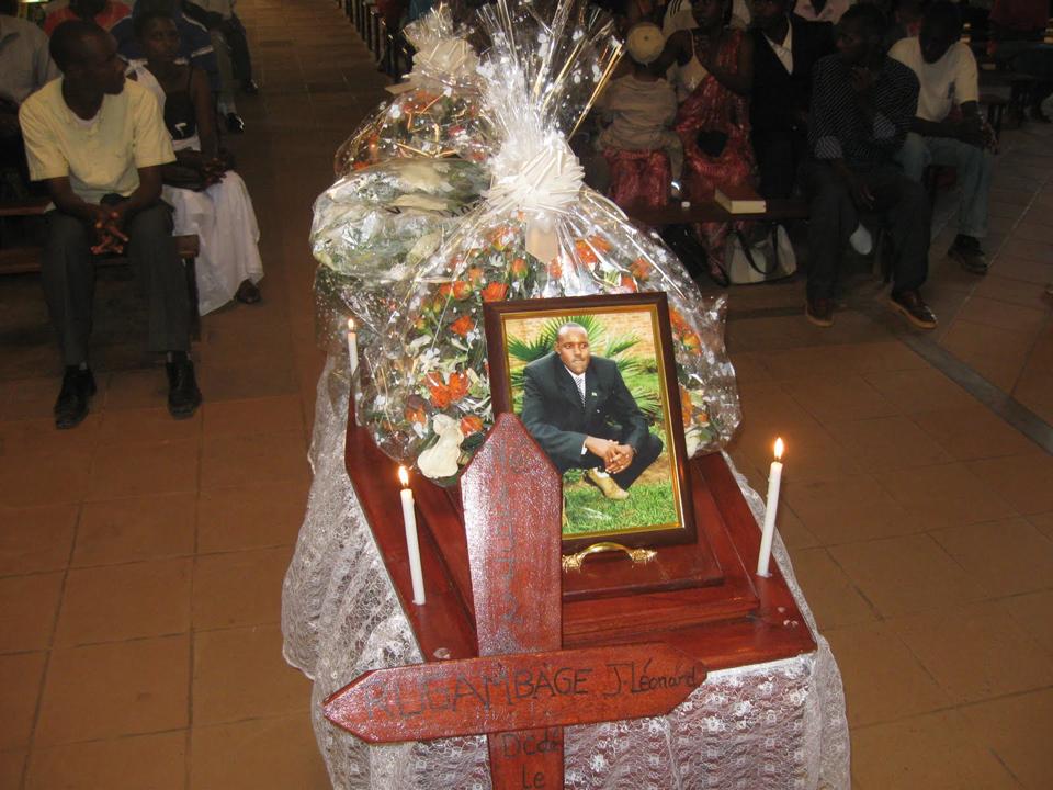 Jean-Leonard-Rugambage-Umuvugizi-journalist-funeral-062610-courtesy-Jean-Bosco-Gasasira-Umuvugizi-editor, Rwandan President Paul Kagame's war on journalists, World News & Views