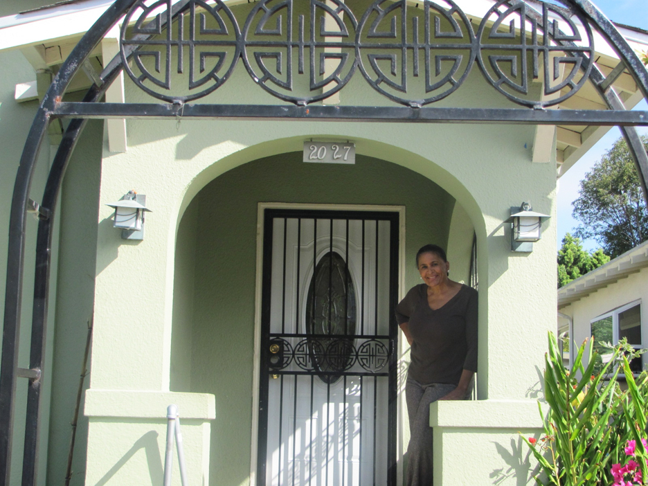 Tanya-Dennis-home-she-reclaimed-from-Wells-Fargo-2011, Don't you dare foreclose on my 91-year-old mother, Local News & Views