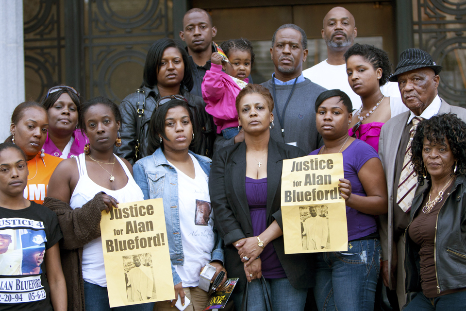 Alan-Blueford-family-Oakland-City-Council-051512-by-Malaika-web1, Protesting police murder of Alan Blueford and war on Afrikans, Local News & Views