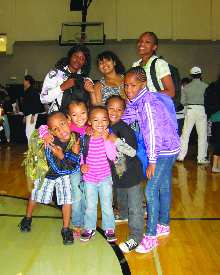 BMAGIC-Backpack-Giveaway, Mo' MAGIC and BMAGIC equip thousands of children for school Aug. 11 and 18, Local News & Views