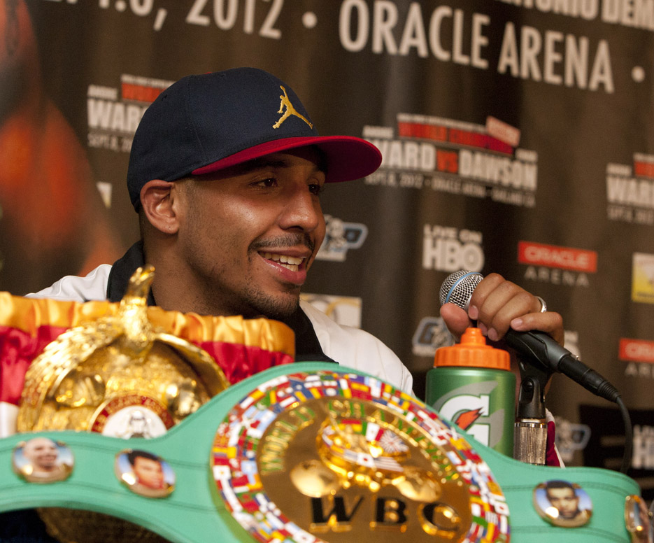 http://sfbayview.com/wp-content/uploads/2012/09/Andre-Ward-with-belts-post-fight-press-conf-090812-by-Malaika.jpg