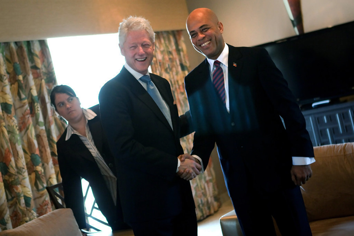 Bill_Clinton_Michel_Martelly_meet_prior_to_presidential_runoff_021511_by_Allison_Shelley_Getty_Images_South_America, Haiti's constitutional horror show, World News & Views