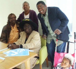 Jacquie_Taliaferro_Vivian_Richardson_Espanola_Jackson_Chris_Jackson_his_baby_at_Affordable_Housing_Day_1012-300x273, Banks spend millions on ads to silence media on foreclosure crisis: Vote Yes on C, Local News & Views
