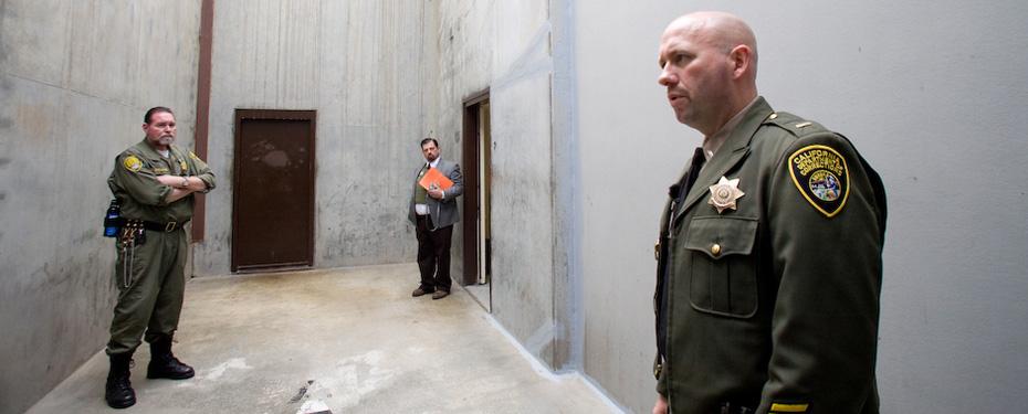 Pelican_Bay_SHU_dog_run_by_Shane_Bauer, California's cruelest prisons, Behind Enemy Lines