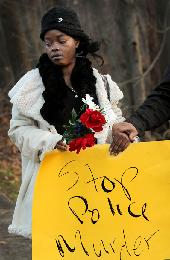 Cleveland-PD-murder-of-Malissa-Williams-Timothy-Robinson-protested-by-MalissaGÇÖs-cousin-Aretha-Robinson-120312-by-Lynn-I1, Cleveland PD murders unarmed Black couple, firing 137 shots, National News & Views