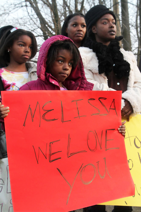 Cleveland-PD-murder-of-Malissa-Williams-Timothy-Russell-protested-by-MalissaGÇÖs-cousin-Aretha-Robinson-daughters-LeVat, Cleveland PD murders unarmed Black couple, firing 137 shots, National News & Views