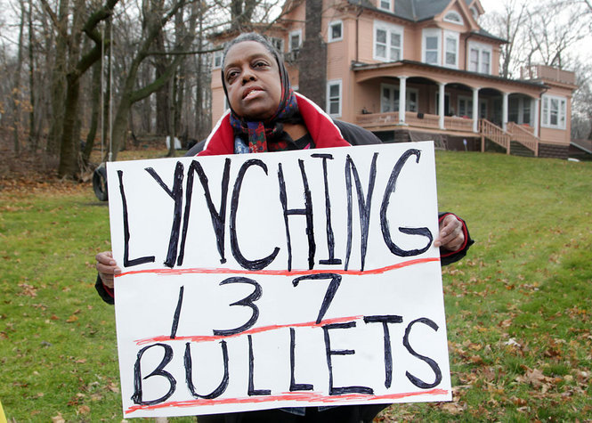Cleveland-PD-murder-of-Malissa-Williams-Timothy-Russell-protested-by-Terri-Tolefree-GÇÿLynching-137-bulletsGÇÖ-120312-by-Ly1, Cleveland PD murders unarmed Black couple, firing 137 shots, National News & Views