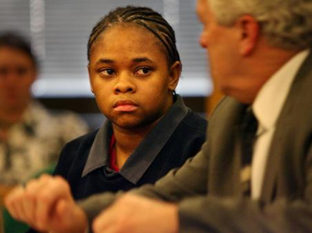 Lesleye Holliman, 17, learns she'll be tried as adult for killing 15yo 010707 by Gus Chan, Cleveland Plain Dealer