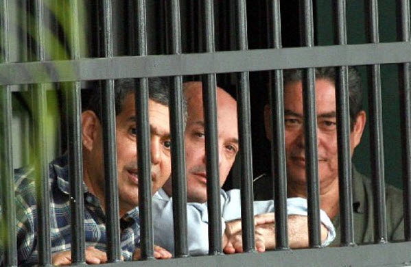 Police captains convicted of Venezuela coup massacre Henry Vivas, Lazaro Forero, Ivan Simonovis by venezuelanalysis.com