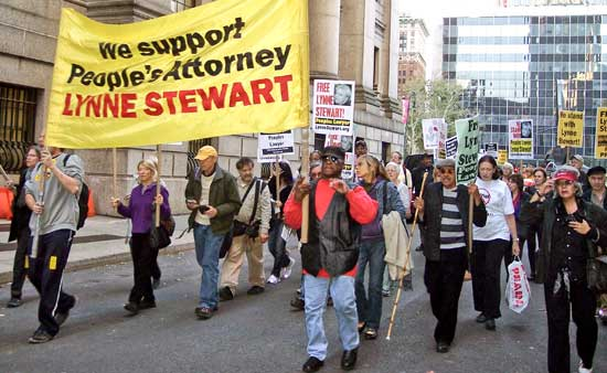 Ralph Poynter leads march, rally for Lynne Stewart on her 71st bday outside her NYC prison 100810 by John Catalinotto, WW