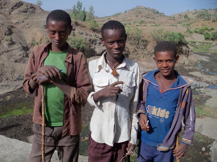Ethiopia- boys on road Addis to Lalibela 0613 by Wanda