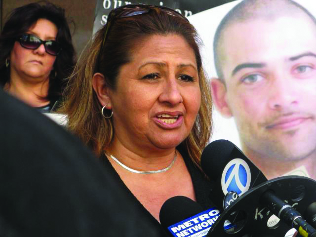 UN petition press conf Dolores Canales at mics LA State Bldg 032012 by Alma Espinosa