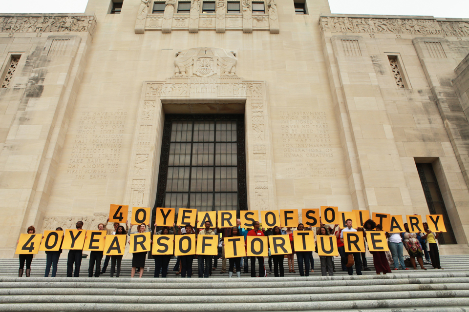 Amnesty International Delivers Petitions in Baton Rouge