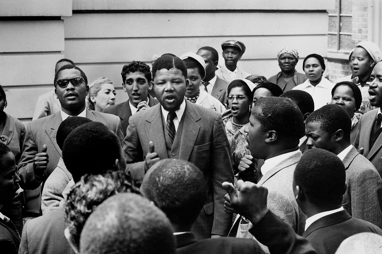 Nelson-Mandela-with-co-defendants-Treason-Trial, Mandela, sanitized, World News & Views