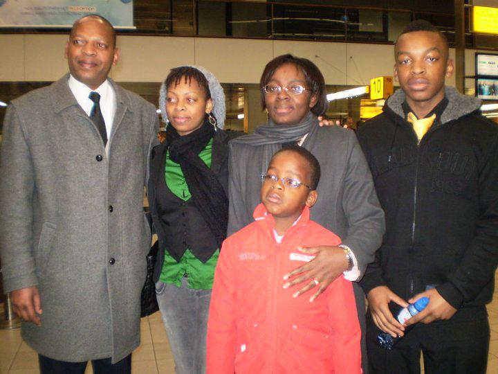 Victoire's family airport farewell 0110- Lin Muyizere, Raissa Ujeneza, Victoire, Rist Shimwa, Remy Ndizeye Niyigena