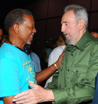 Fidel Castro greets Lucius Walker 072610