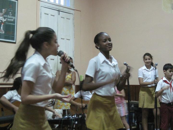 Richmond Regla Cuba Tour La Colmenita girl musicians 1213 courtesy Marilyn Langlois, web