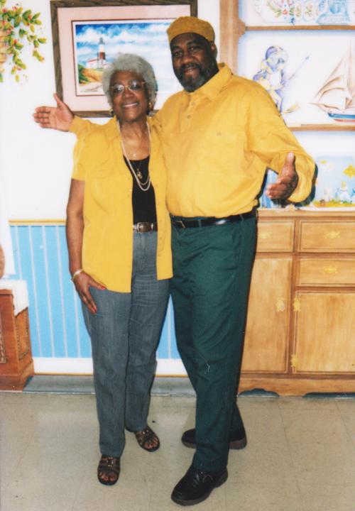 Jalil Muntaqim (Anthony Bottom), mom Billie Bottom-Brown, web