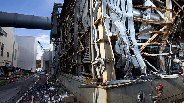 Reporters-allowed-close-to-Fukushima-Daiichi-nuclear-power-plant-022214-by-CNN, 50 reasons we should fear the worst from Fukushima, World News & Views