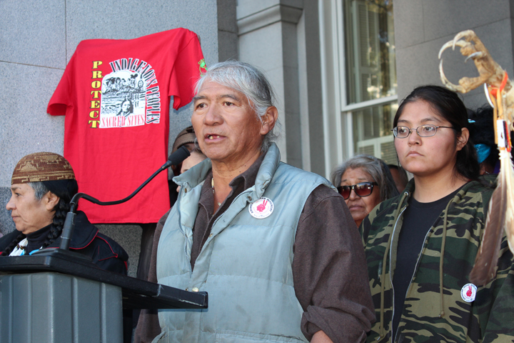 Bay Delta Conservation Plan protest Johnny Bob, Western Shoshone chief and spiritual leader, Sacto Capitol 121313 by Dan Bacher, web