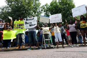 Ferguson has been demanding the arrest of killer cop Darren Wilson and the replacement of St. Louis County Prosecutor Bob McCulloch for weeks. This protest was held Aug. 20. – Photo: Robert MacPherson, AFP