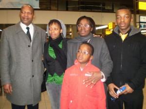 Victoires-family-airport-farewell-0110-Lin-Muyizere-Raissa-Ujeneza-Victoire-Rist-Shimwa-Remy-Ndizeye-Niyigena-300x225, Rwanda attacks political prisoner Victoire Ingabire's family (with French translation), World News & Views