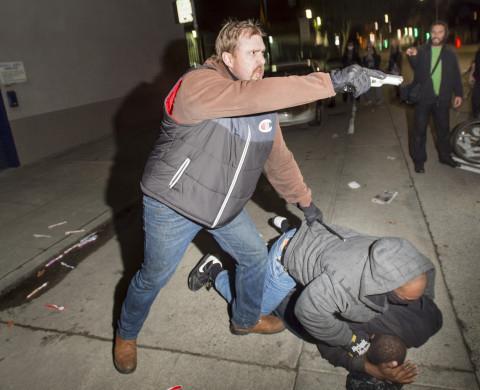 Black-Lives-Matter-Berkeley-Oakland-march-outed-undercover-cop-pulls-gun-121114-by-Noah-Berger-Reuters-web, Outed undercover cop pulls gun on Oakland protesters, Local News & Views