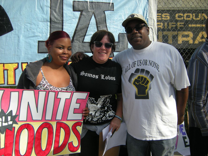 The Youth Justice League brought the Agreement to End Hostilities to the hood on the day it took effect, Oct. 10, 2012, at a rally in front of the LA County Jail. – Photo: Virginia Gutierrez