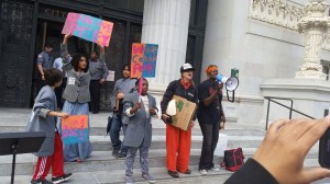Where Can We Pee? protest at Oakland City Hall – Photo: Heidy, PNN-RYME Youth Skola